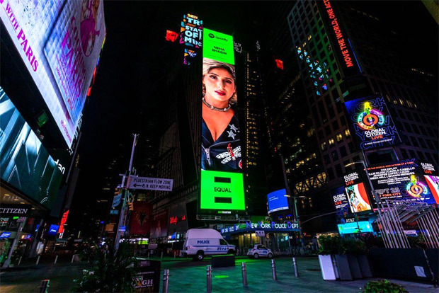 Neha Bhasin features on Times Square Billboard as artist of the month on Spotify for her song 'Oot Patangi' : Bollywood News
