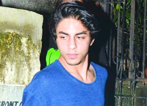 Pune cops issue lookout circular against NCB's observer in cruise drugs case; the person who clicked a selfie with Aryan Khan : Bollywood News