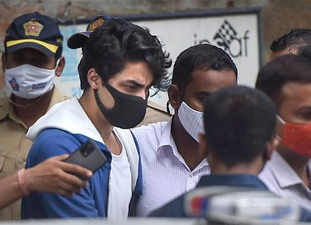 Shah Rukh Khan's son Aryan Khan receives a money order of Rs. 4500 in jail from his family : Bollywood News